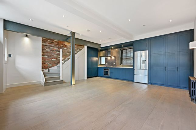 Thumbnail Terraced house to rent in Bourlet Close, London