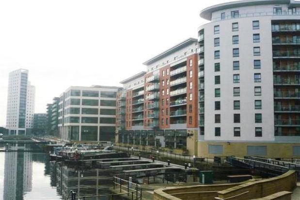 2 bed flat to rent in Mackenzie House, Leeds Dock, City Centre