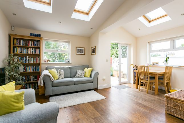 Thumbnail Flat for sale in Sunnyhill Road, London