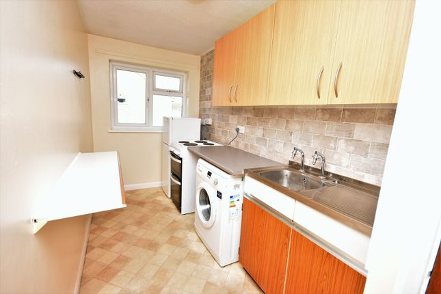 Kitchen of Slattenham Close, Hartwell, Aylesbury HP19