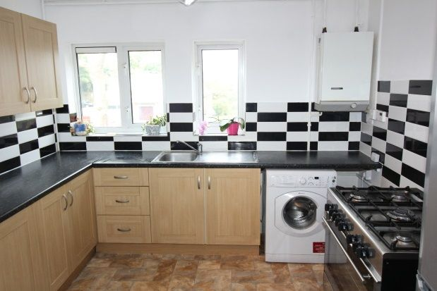 Thumbnail Maisonette to rent in Mickleham Road, Orpington