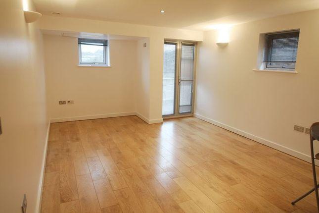 1 bed flat to rent in Heath Park House, Cotterells, Hemel Hempstead