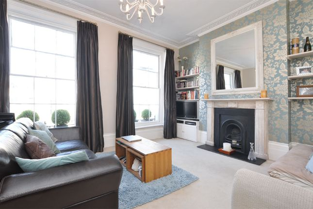 2 bed duplex to rent in Arundel Place, London