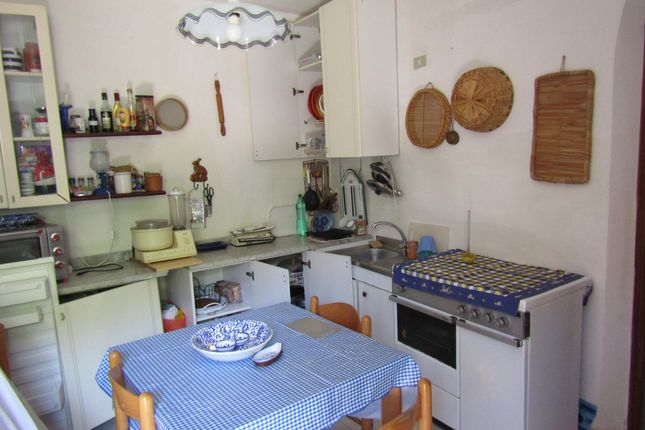 Kitchen of Via Faro N50, Scalea, Cosenza, Calabria, Italy
