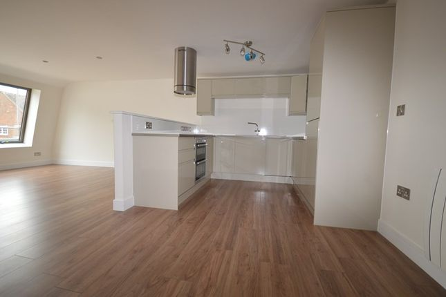 Thumbnail Flat to rent in High Street, Lymington