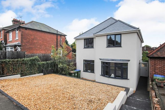 Thumbnail Detached house for sale in Hillside Avenue, Southampton