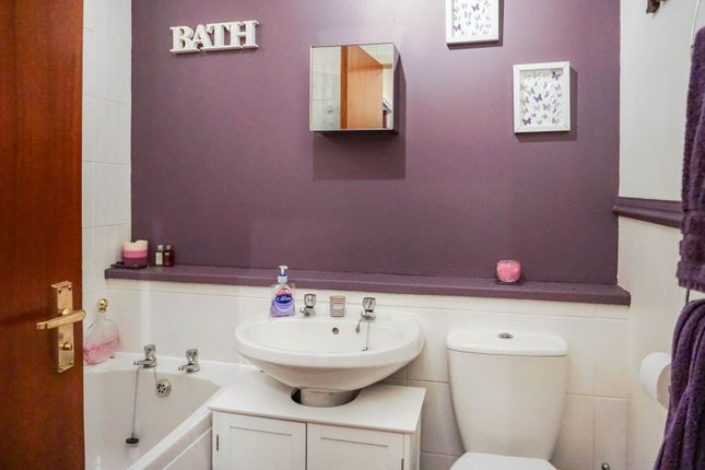Bathroom of Russell Street, Johnstone PA5