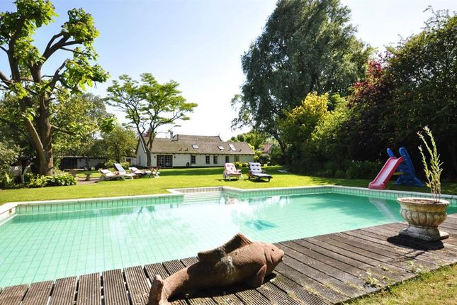 Thumbnail Property for sale in Watertje 13 A, Zoeterwoude, Netherlands