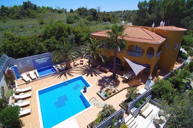 Thumbnail Villa for sale in Armação De Pêra, Algarve, Portugal