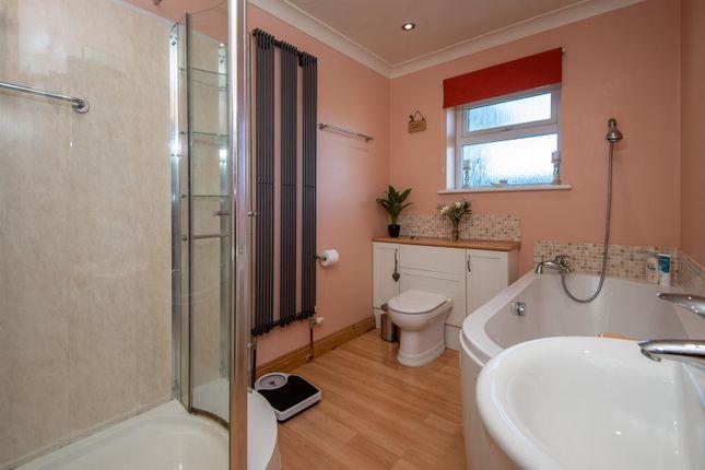 Bathroom/WC of Hillhead Road, Kergilliack, Falmouth TR11