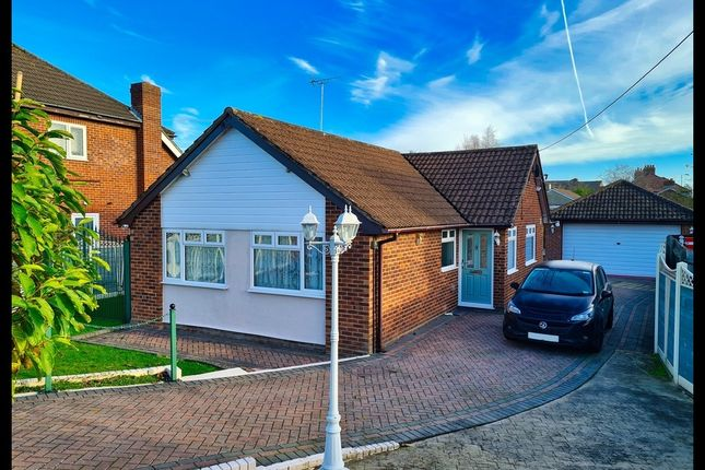 2 bed detached bungalow for sale in Haselbury Road, Totton, Southampton SO40