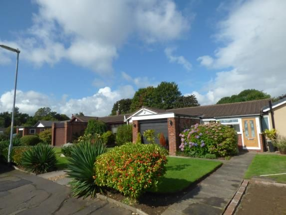 Thumbnail Bungalow for sale in Greenoak Drive, Sale, Greater Manchester