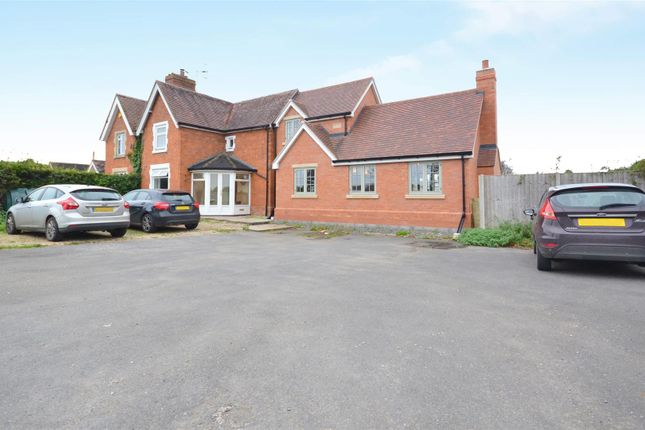 Thumbnail Semi-detached house for sale in Honeybourne Road, Bickmarsh, Bidford On Avon