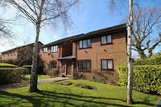 Thumbnail Flat to rent in Willow Avenue, Cheadle Hulme, Cheadle