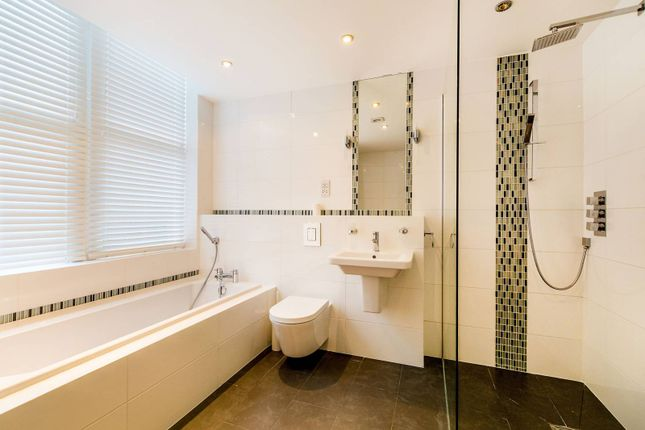 Thumbnail Flat to rent in Clevedon Road, Richmond