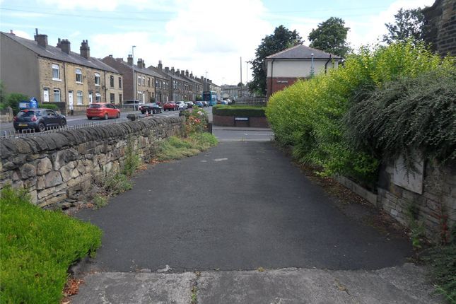 Picture No. 04 of High Street, Heckmondwike, West Yorkshire WF16
