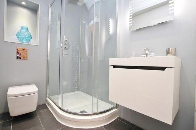 Bathroom of Castle Terrace, Edinburgh EH1