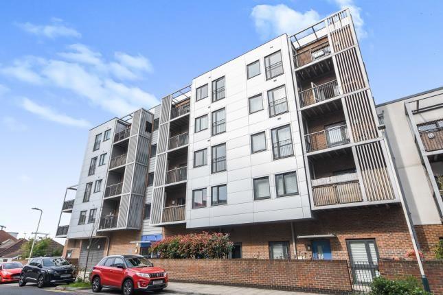 Thumbnail Flat for sale in Lower Mardyke Avenue, Rainham, Greater London