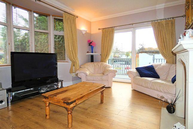 Living Room 2 of Ryhope Road, London N11