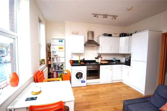Thumbnail Flat to rent in High Road, East Finchley