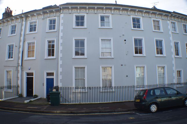 Thumbnail Flat for sale in Park Crescent, Brighton