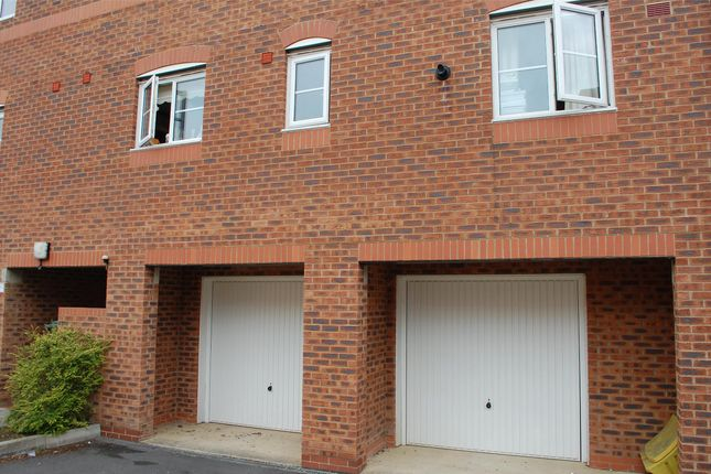 Garage of Sherwood Place, Headington, Oxford OX3