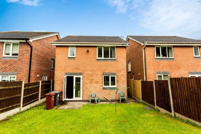 Photo 3 of 15 Kingsley Close, Blackburn BB2