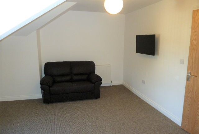 Thumbnail Flat to rent in Napier Terrace, Mutley, Plymouth