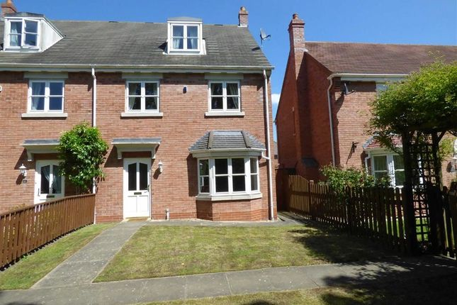 Thumbnail Town house to rent in Waterloo Road, Wellington, Telford