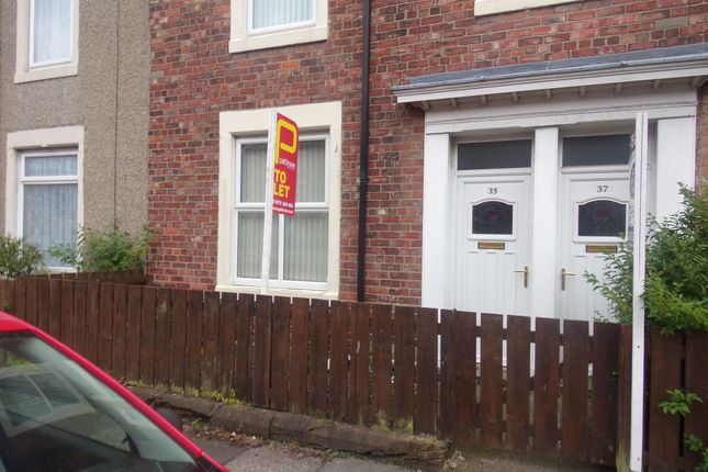 Thumbnail Flat to rent in Middleton Street, Blyth