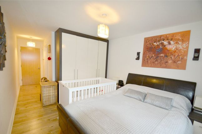 Thumbnail Flat for sale in Musgrove Close, Purley, Surrey