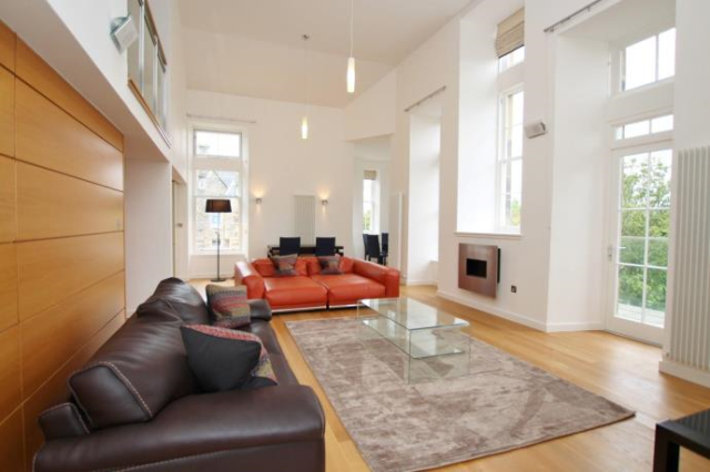 Thumbnail Flat to rent in Simpson Loan, Edinburgh