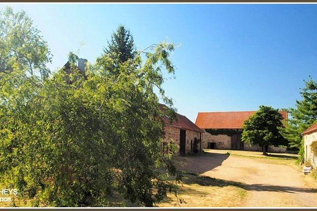 Thumbnail Equestrian property for sale in Auvergne, Allier, Saint Bonnet De Four