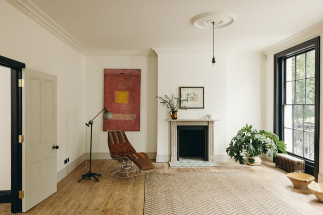 Thumbnail Terraced house for sale in Northampton Square, London