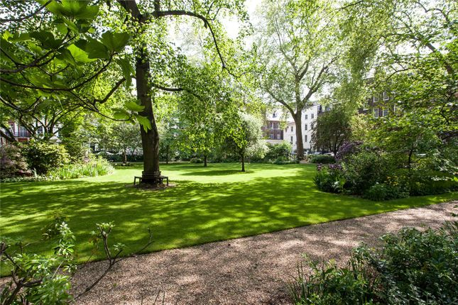 Picture No. 05 of Kensington Square, Kensington, London W8