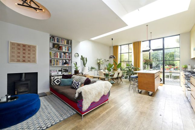 Thumbnail Property for sale in Wallingford Avenue, London