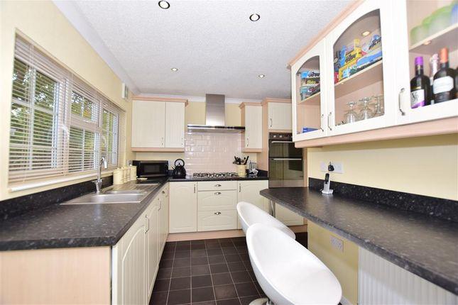 2 Bed Mobile Park Home For Sale In Old London Road Dunkirk Faversham