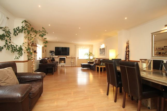 Thumbnail Property to rent in Creasey Close, St Leonards, Hornchurch