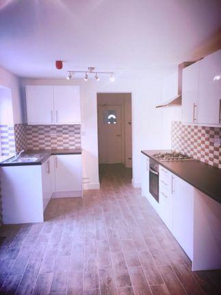 Room to let in Brettell Street, Dudley