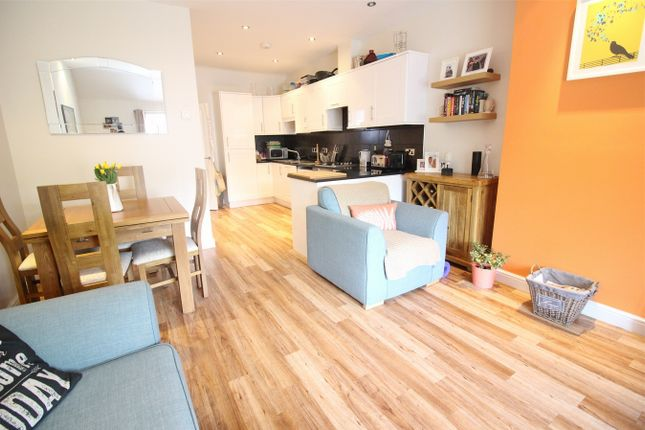 Thumbnail Maisonette to rent in High Street, Green Street Green, Orpington, Kent