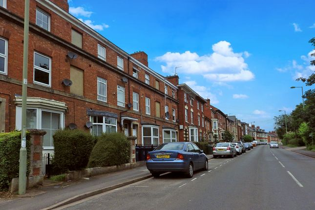 2 bedroom flat to rent in Middleton Road, Banbury, Oxfordshire