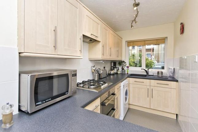 Thumbnail 2 bed flat to rent in Wrexham Road, London