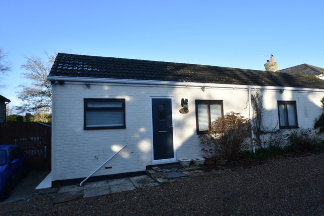 Thumbnail Cottage to rent in Pond Lane, Clanfield, Waterlooville