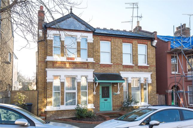 Thumbnail Flat for sale in Elm Park Road, Finchley, London