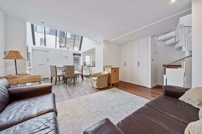 2 bed detached house to rent in Perrins Lane, Hampstead Village, London NW3