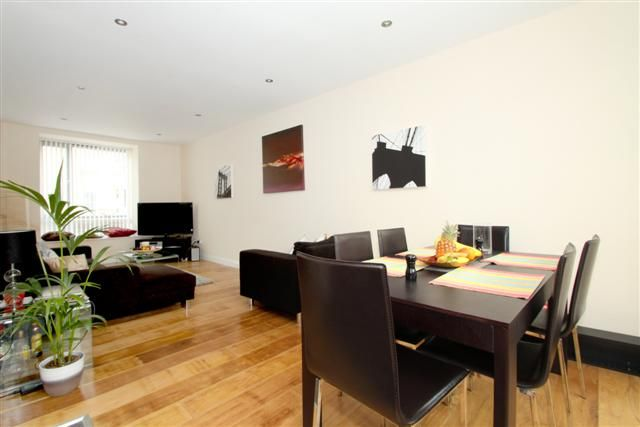 Thumbnail Property to rent in Bow Common Lane, London