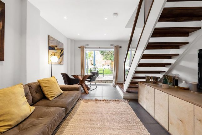 2 bed flat for sale in Gleneagle Road, London SW16