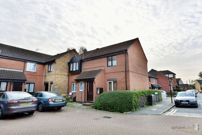 Thumbnail Flat for sale in Leamouth Road, London
