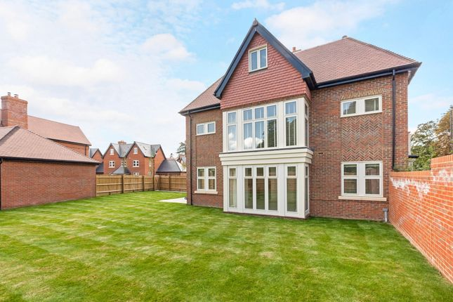 Thumbnail End terrace house to rent in Mill Lane, Taplow, Maidenhead