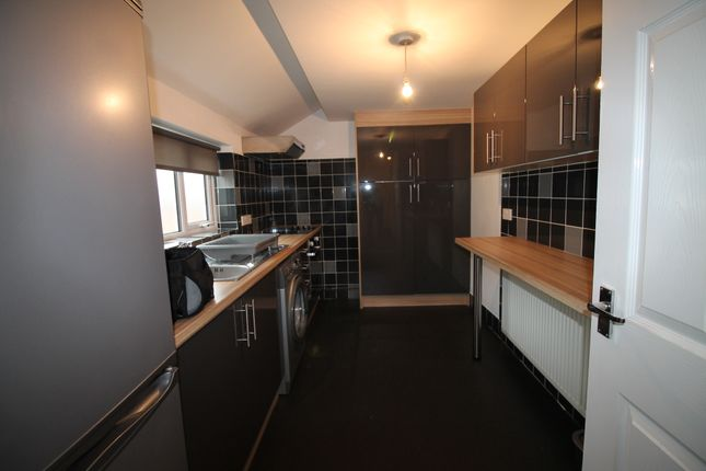 Thumbnail Flat to rent in Eakring Road, Mansfield